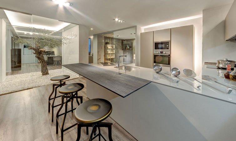 Slide 6. Cocinel-la en Sevilla. Creamos espacios para tu hogar.